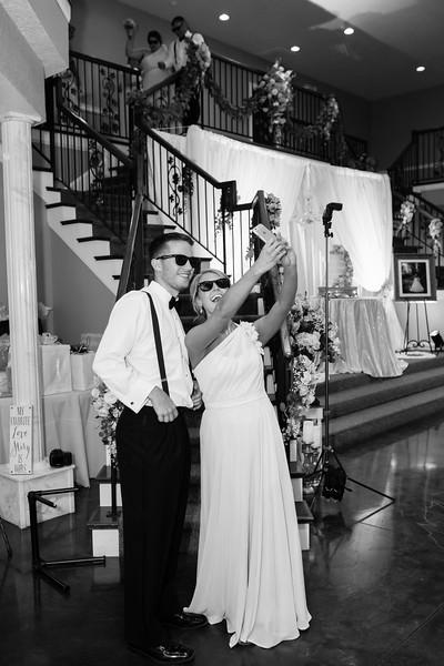 0851_Josh+Lindsey_WeddingBW.jpg