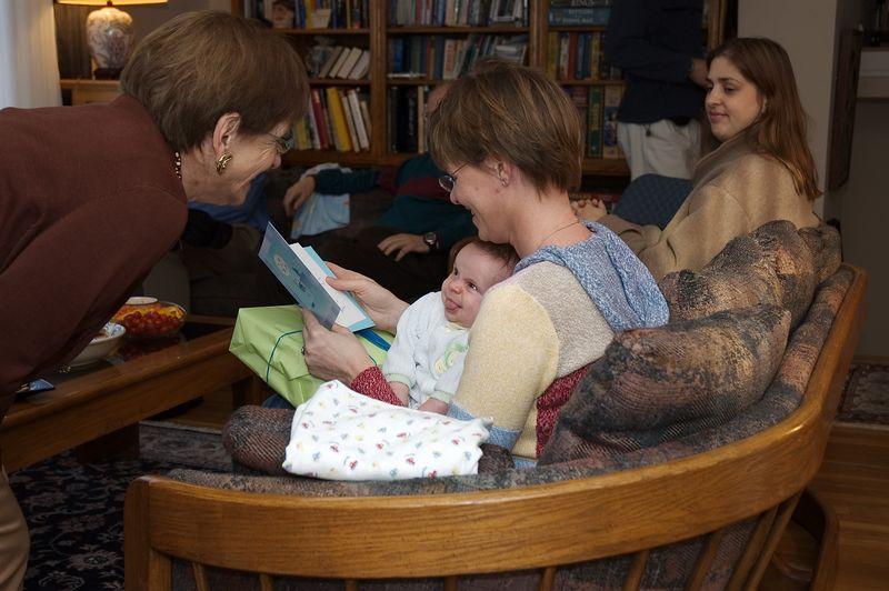 Grandma and Noah make faces   (Nov 26, 2004, 02:28pm)