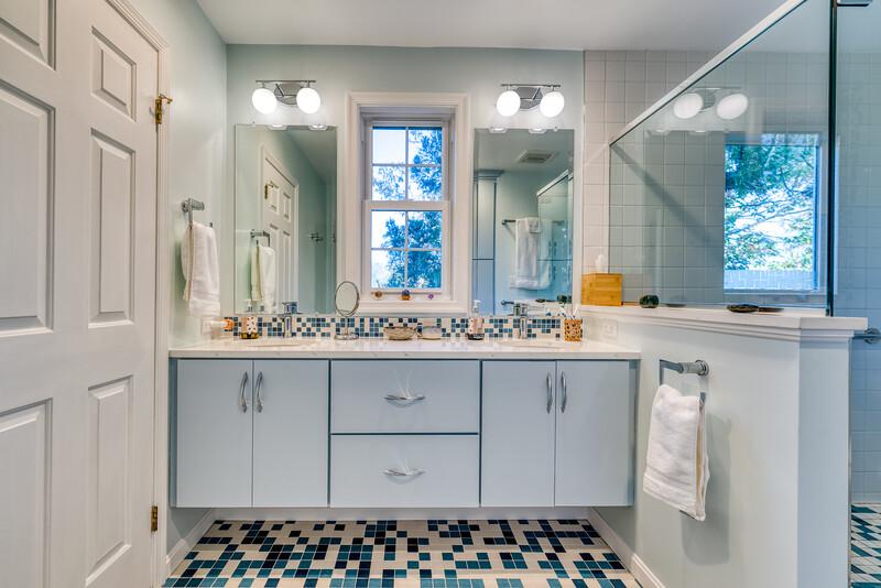 Oswald Bathroom 2020-1.jpg
