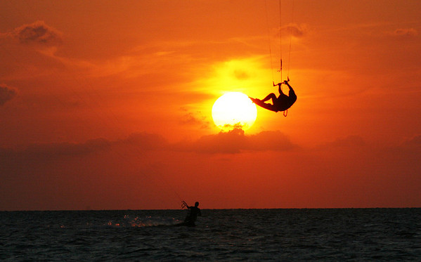 Oct '08: Tarpon Springs Sunset: Kiteboarders