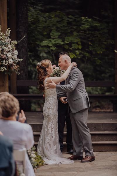 2018-05-12_ROEDER_JulieSeth_Wedding_ROEDER2_0045.jpg