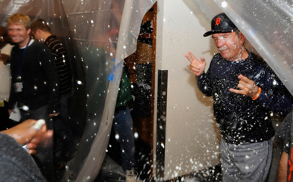 . MINNEAPOLIS, MN - SEPTEMBER 25: Jim Leyland #10 of the Detroit Tigers moonwalks out of the clubhouse after the Tigers defeated the Twins 1-0 on September 25, 2013 at Target Field in Minneapolis, Minnesota. The Tigers clinched the American League Central Division title. (Photo by Hannah Foslien/Getty Images)