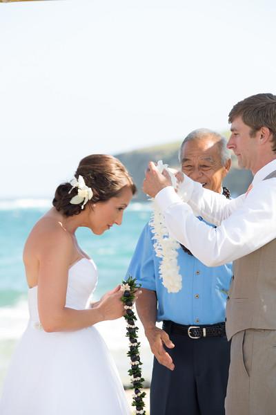 gillin beach kauai wedding-77.jpg