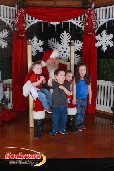 Santa 12-17-16-589.jpg