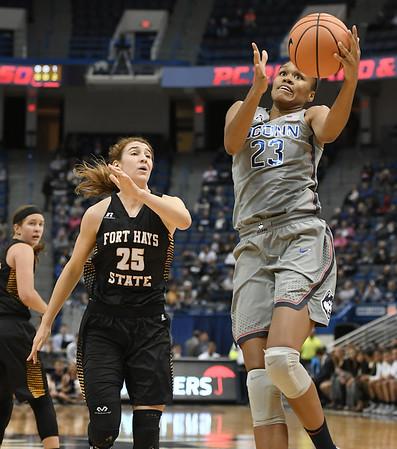 UConn women's basketball 11-25
