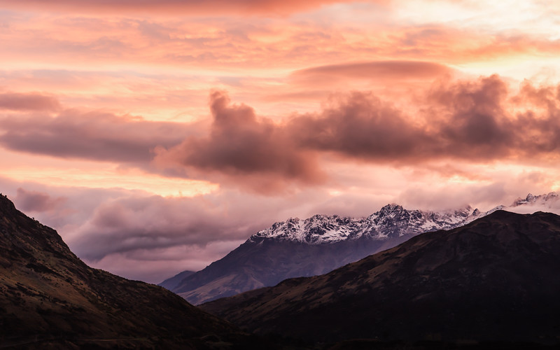 pink-sunset-shotover-country-queenstown-new-zealand.jpg