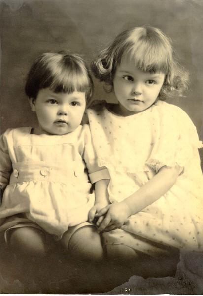 Wayne J.(9 mos.) & Bette E,(3yrs.) Eldredge,  .jpg
