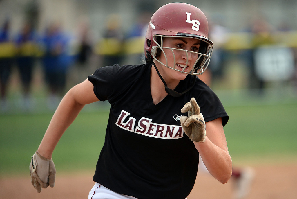 . La Serna\'s Molly Bourne moves to third in the second inning of a prep playoff softball game against Bishop Amat at Bishop Amat High School in La Puente, Calif., on Thursday, May 22, 2014. La Serna won 6-0.   (Keith Birmingham/Pasadena Star-News)