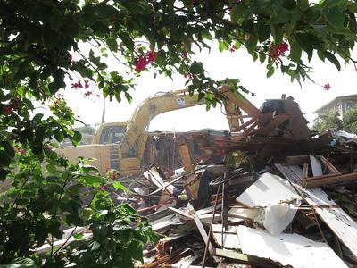 Lunalillo Home Road demolition 072415
