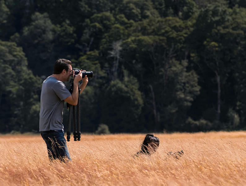 Clayton Morris doing his photography thing.  Bel Jones trying to stay out of his shot.