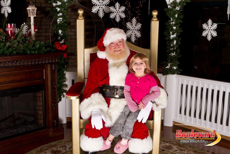 Santa Dec 15-313.jpg