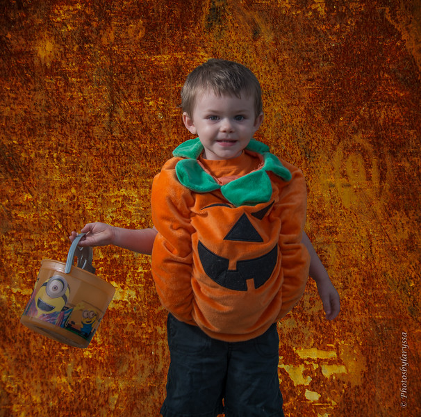 2015 Halloween_LAG0258-Edit.jpg
