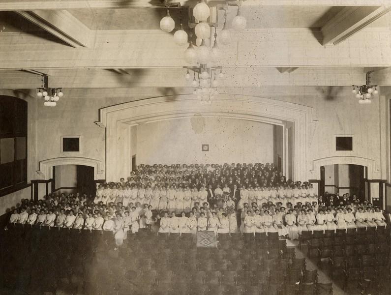 1911 UWL Chorus Main Hall Auditorium (Director Harriet Oltman).jpg