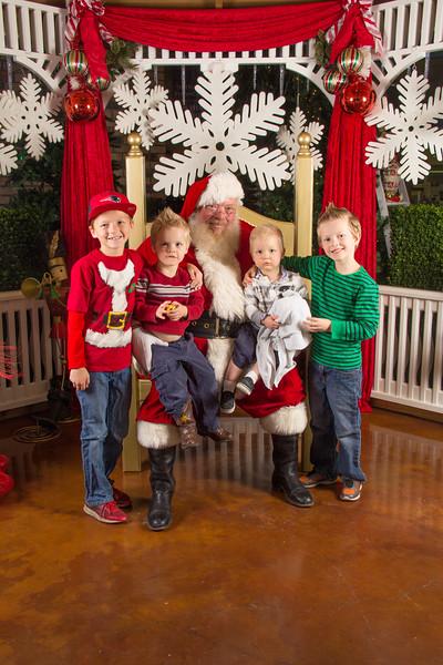 Santa 12-16-17-361.jpg