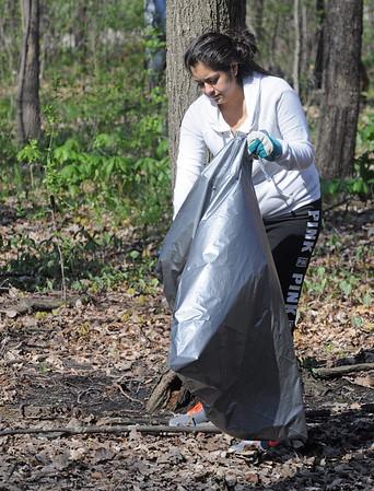 Varble Woods cleanup