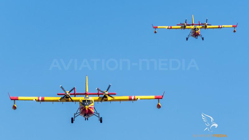 Securite Civile / Canadair CL-415 / F-ZBFY 35 F-ZBFN 33