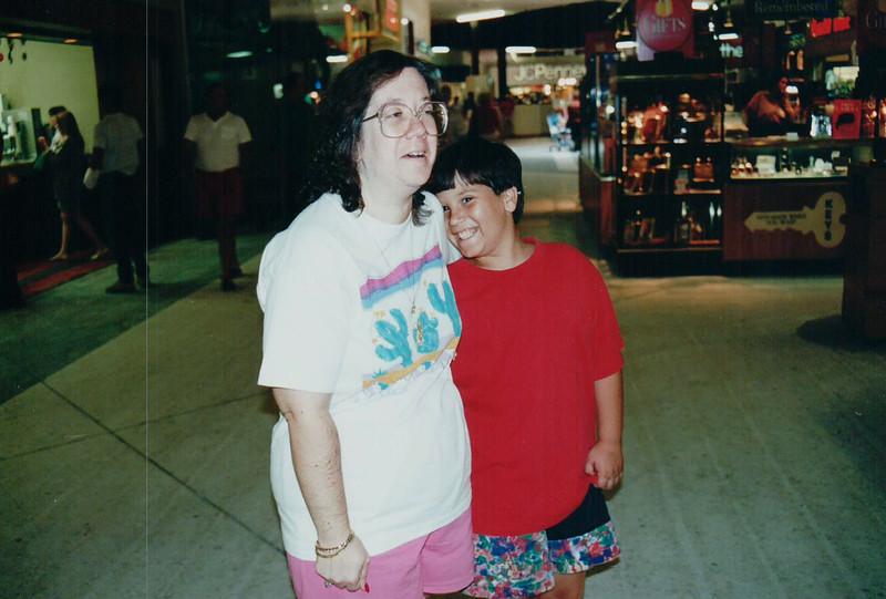 PGOLDMAN_1993-07-SaraSummer--13.jpg