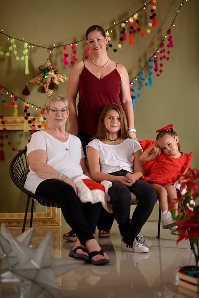 Kelley-Navidad-AveSol00004.jpg