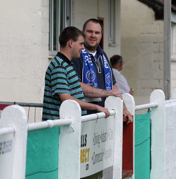 CHIPPENHAM TOWN V FROME TOWN MATCH PICTURES