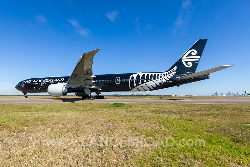 Air New Zealand 777-300ER - ZK-OKQ - BNE