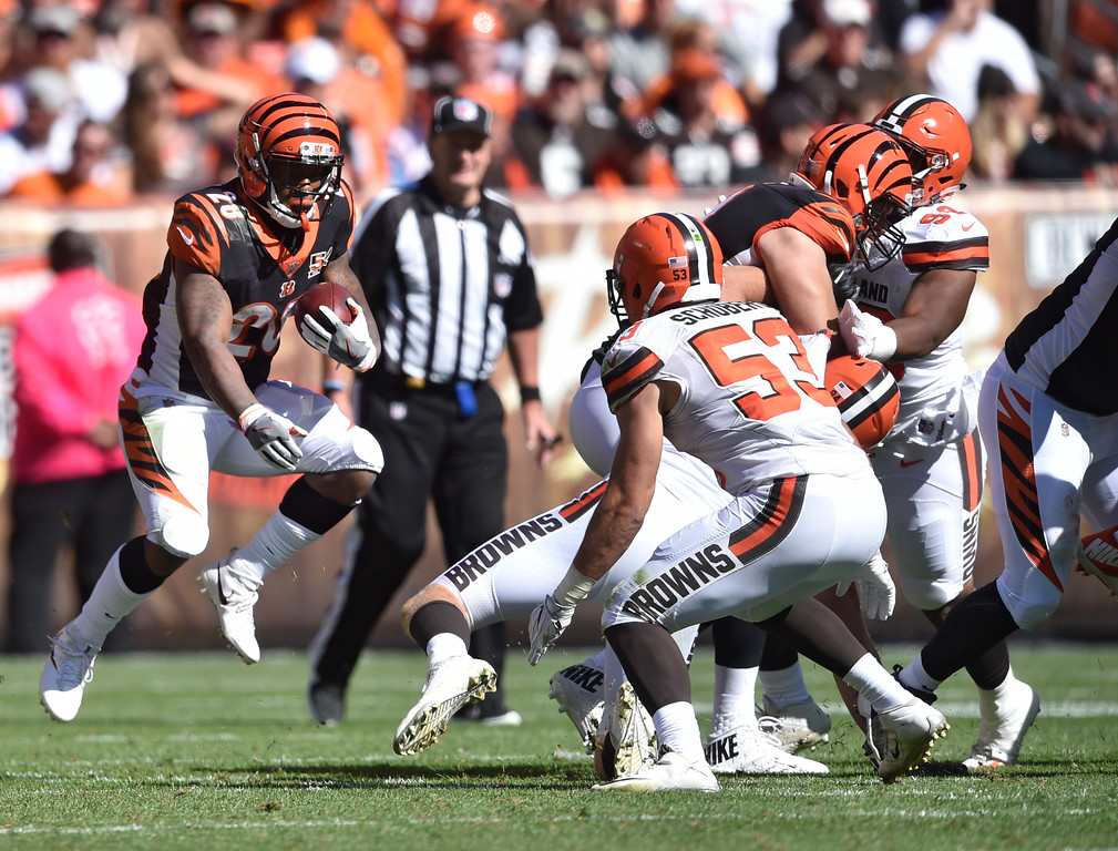 . Cincinnati Bengals running back Joe Mixon (28) runs in the second half of an NFL football game against the Cleveland Browns, Sunday, Oct. 1, 2017, in Cleveland. (AP Photo/David Richard)