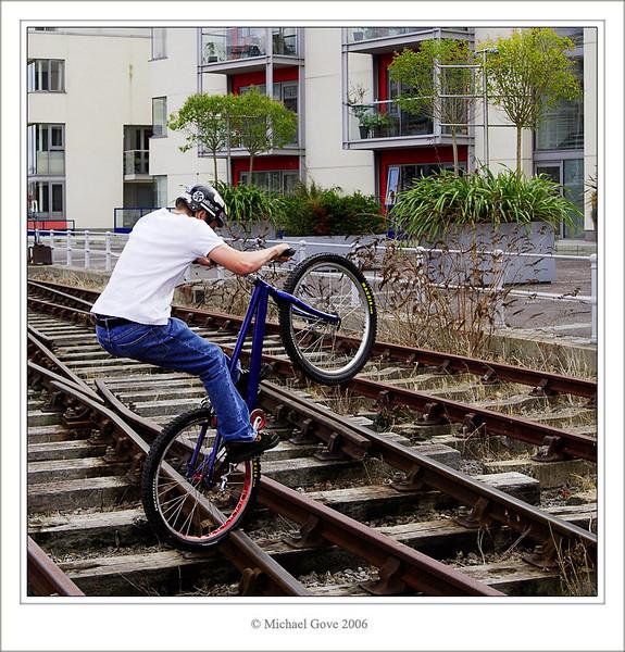 Lads jumping the rails (68210429).jpg