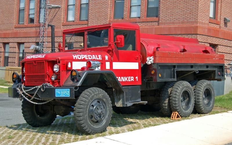 Tanker 1 1975 AM General 300/1200