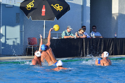 So Cal Tournament 2011 - Third Place Game - University of California Los Angeles vs University of Southern California 10/2/11. Final score 7 to 6. Bronze Medal UCLA vs USC. Photos by Allen Lorentzen.