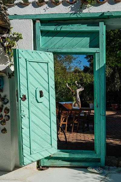 The Bar Door - Morag