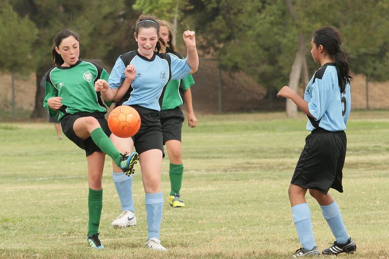Soccer2011-09-10 09-12-17.JPG
