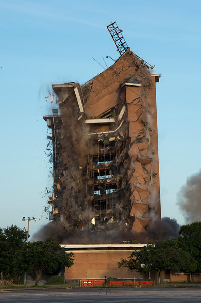 Skyscraper Bank Building Implosion_017.jpg