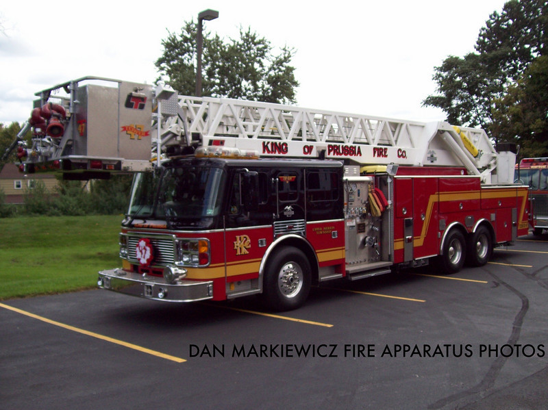 KING OF PRUSSIA VOLUNTEER FIRE CO. TOWER 47 2002 AMERICAN LA FRANCE TOWER LADDER