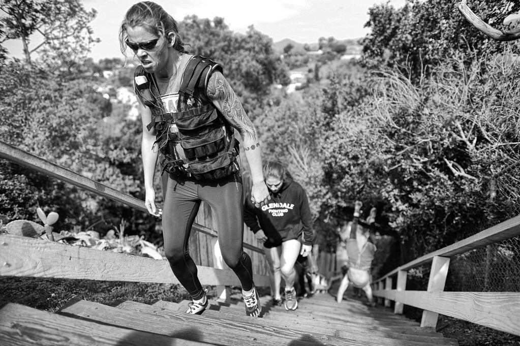 . Jessamyn Duke and Marina Shafir use the Santa Monica Stairs for a workout. (Photo by Hans Gutknecht/Los Angeles Daily News)