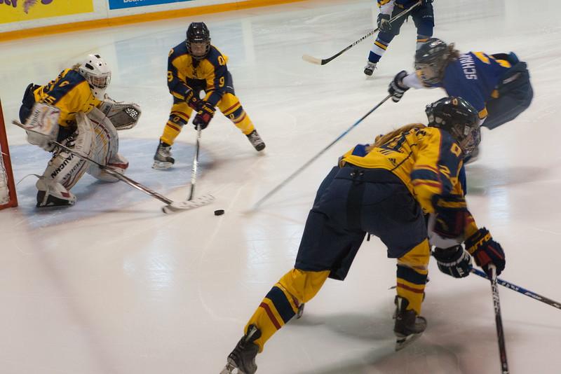 20130310 QWHockeyvsUBC 197.jpg