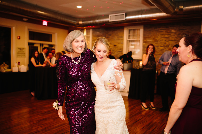 katelyn_and_ethan_peoples_light_wedding_image-734.jpg
