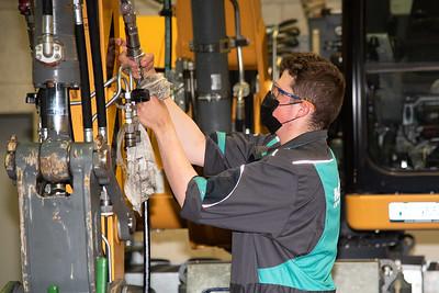 Landmaschinen-, Motorgeräte-, Baumaschinenmechaniker/in EFZ - Mécanicien en machines agricoles, d'appareils à moteur, en machines de chantier CFC / Mécanicienne en machines agricoles, d'appareils à moteur, en machines de chantier CFC - Meccanico di m