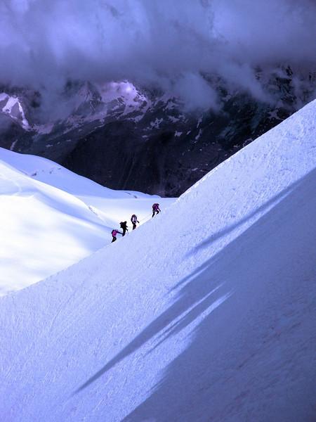 Aiguille du Midi ridge climbers 1 Mt Blanc Massif France 2009.jpg