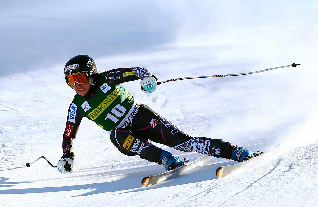 . Leanne Smith makes a turn during the women\'s World Cup Downhill skiing event, Friday, Nov. 29, 2013, in Beaver Creek, Colo. Smith crashed after catching a ski on the last jump and did not finish the race. (AP Photo/Alessandro Trovati)