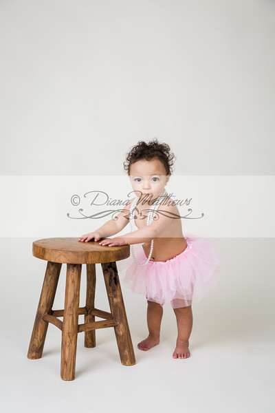 Faith .. Ella Smash cake sesion