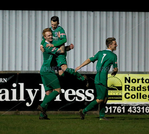 CHIPPENHAM TOWN V PAULTON ROVERS MATCH PICTURES 16th Feb 2016