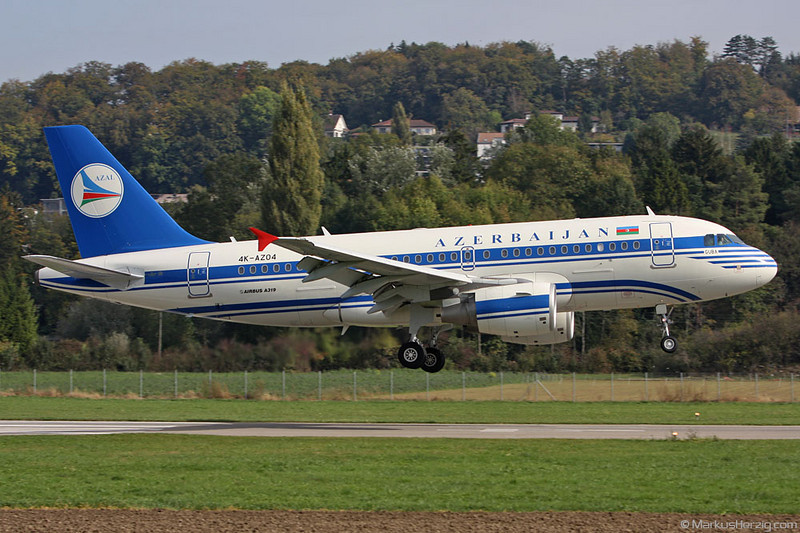 4K-AZ04 A319-111 Azerbaijan Airlines @ Bern Switzerland 16Oct09