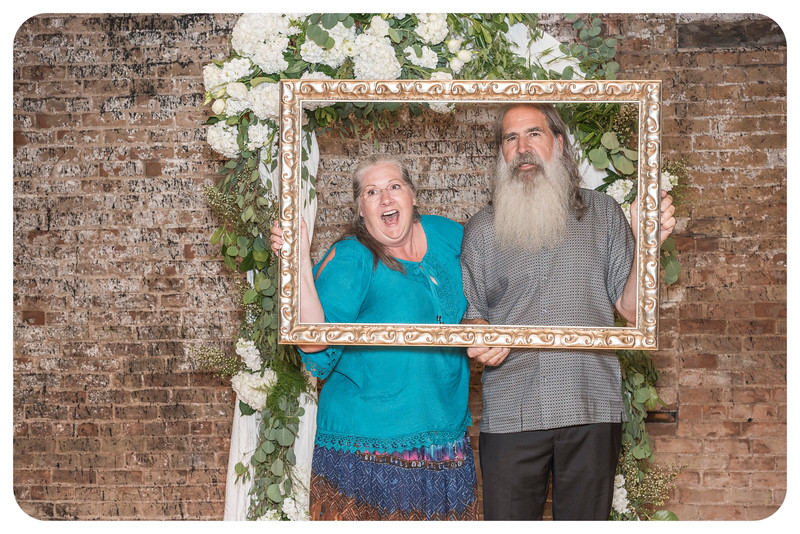 Laren&Bob-Wedding-Photobooth-84.jpg