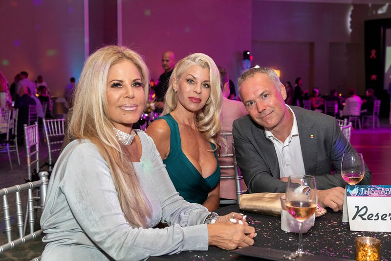 2019_11_Yachtail_Party_00396.jpg