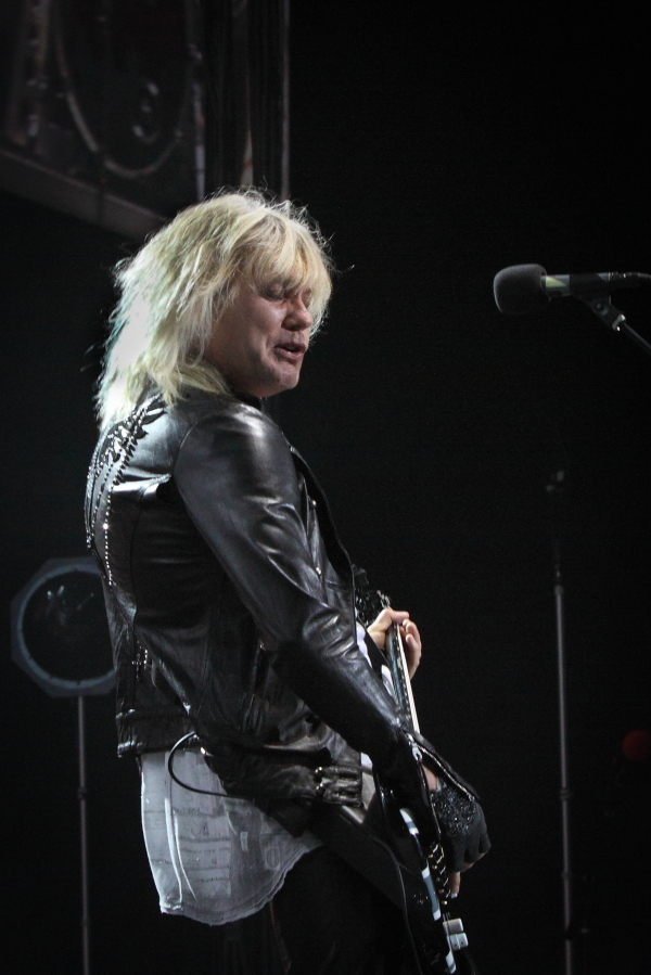 Def Leppard and Heart at the Sydney Entertainment Centre