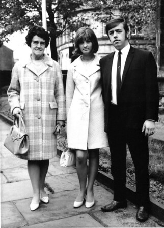 1970 - Mum, Dad & Grandma