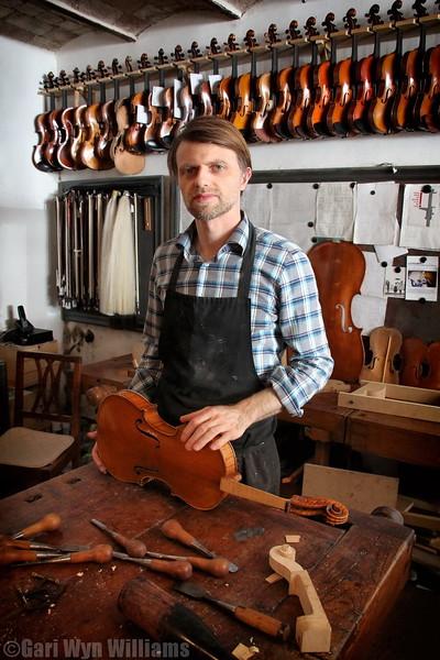 Mathias Menanteau - Violin Maker
