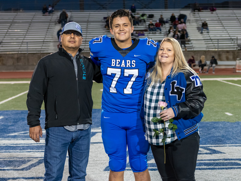 LV2019_SeniorNight-33.jpg
