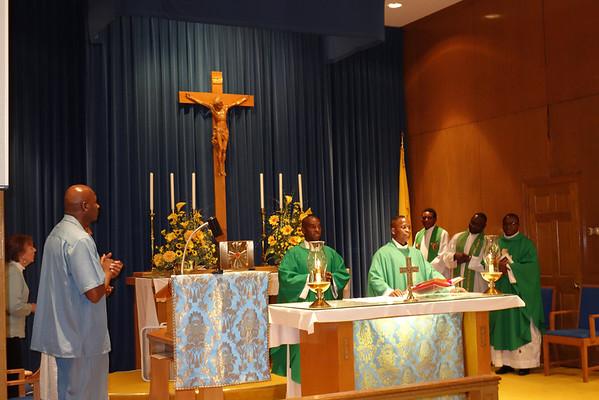 Visiting Clergy St.PiusX MA USA