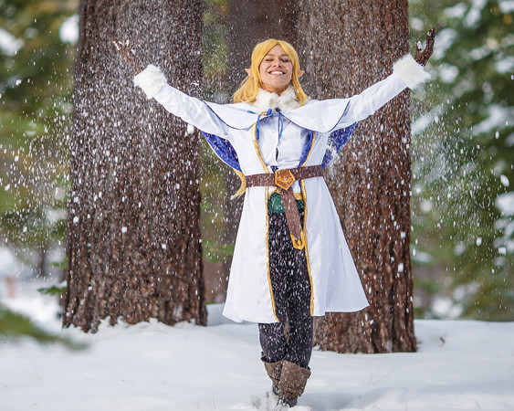 Winter Zelda (Julia) from Legend of Zelda
