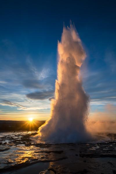 Geysir Morning sunstar Landscape Photography Iceland Geyser strokkur.jpg
